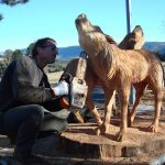 sculpteur a la tronconneuse